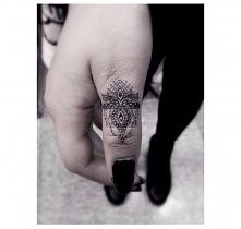 Tatuaż na dłoni. Który wzór...