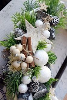 Wianek zimowy na drzwi od Dziedzicka Dekoracje