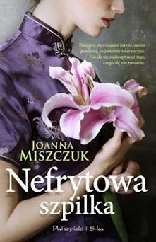 Historia niezwykle silnej, zdeterminowanej kobiety oraz trudnej miłości i walki o szczęście. Melania, dziewczyna z biednej rodziny, przebyła długą drogę by zostać znanym ekspert...