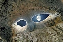Oczy Boga, Jaskinia Prohodna Bułgaria.