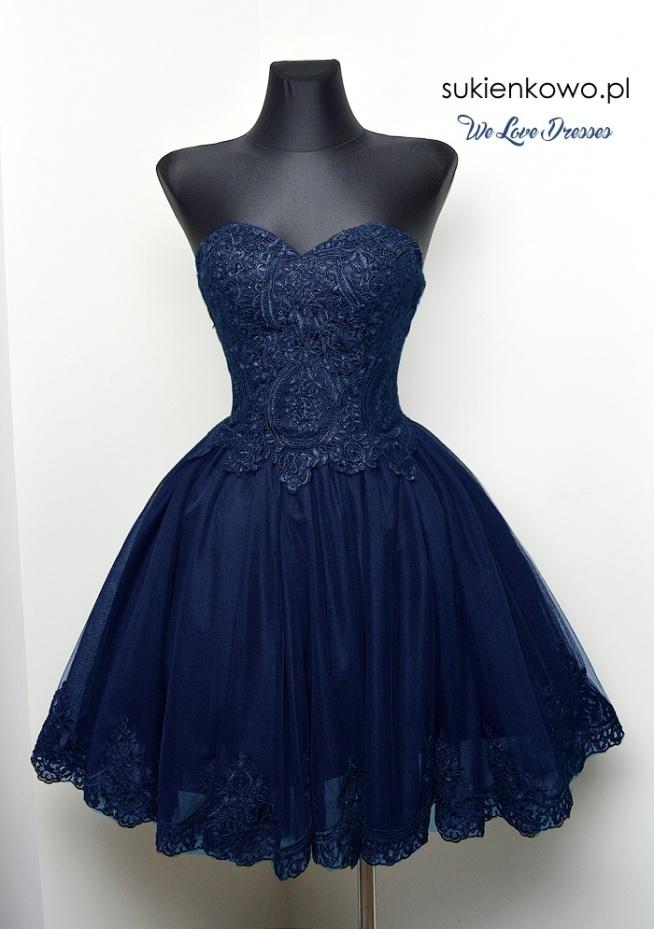 Śliczna granatowa sukienka sukienkowo.pl model Carachel