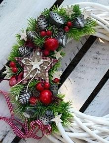 Zimowe wianki na drzwi od Dziedzicka Dekoracje, więcej na Facebooku, zapraszam
