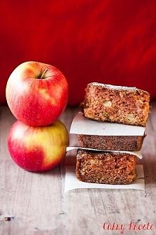 Ciasto z prażonymi jabłkami - zamiast szarlotki z musem jabłkowym, zrób z nim puszyste i wilgotne ciasto!
