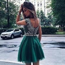 Zielona sukienka - Kliknij w zdjęcie aby zobaczyć więcej