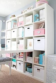 Dobrze zorganizowana dziewczęca szafa :)