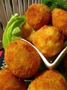 Złociste kulki ziemniaczano – serowe