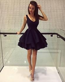 Piękna rozkloszowana sukienka sukienkowo.pl