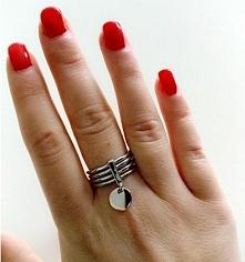 Srebrny pierścionek marki S...