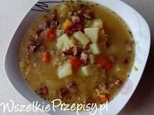 Zupa grochowa z wędzonym boczkiem