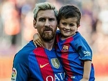 Messi with son *. *
