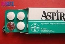 10 pomysłów jak wykorzystać aspirynę... Ale nie chodzi o nazwę chemiczną tylko o praktyczne zastosowania. I tak: 1. Usuwanie plam z potu z białych koszulek - po prostu rozpuść 2...