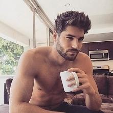 Wypiła byś z nim kawe