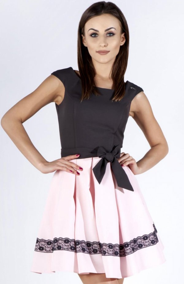 Bicot 2098-12 sukienka szara Zjawiskowa dwukolorowa sukienka, góra dopasowana, fason modeluje i wysmukla sylwetkę