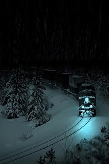 Jedzie pociąg z daleka....