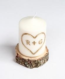 Świeczki to must have w zimie. To one robią klimat w świąteczne dni :) Czemu by nie dać ich na prezent komuś bliskiemu? A żeby spersonalizować zwykłą świeczkę wystarczy wydrążyć...