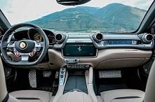 Ferrari 2017 LUSSO