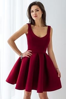 Bordowa, rozkloszowana sukienka z pianki