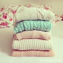 sweterek jest zawsze dobrym...