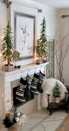 stołu, dekoracyjne bombki, dekoracyjne choinki, podświetlane świąteczne drzew...