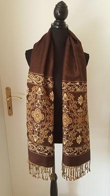 elegancki, wysokiej jakości szalik. Brązowo-beżowy. Obustronny. Idealny na zime albo jesień. Po kliknieciu w zdjęcie przejście do sklepu.