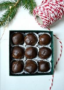Jadalne prezenty bez cukru. Trufle a`la śliwki w czekoladzie.