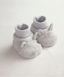 Ciepłe, urocze buciki z pewnością będą cieszyć zimne stópki każego malucha.
