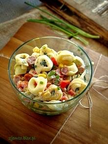 * Sałatka z Tortellini i Kabanosem *