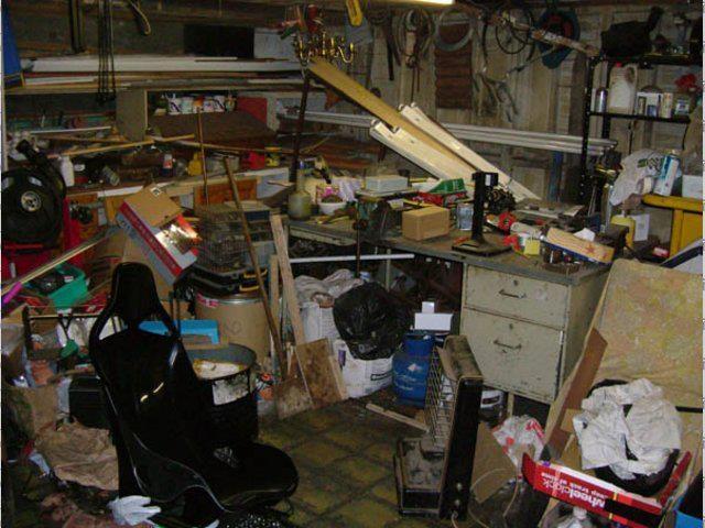 Cóż, w tej piwnicy coś poszło nie tak. Na szczęście, uporządkowanie przestrzeni nie jest trudne.