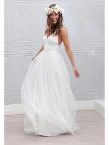 V NECK BACKLESS CHIFFON BEACH WEDDING DRESS WITH STRAPS dressbib.com