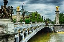 Most Aleksandra III - wybudowany w latach 1896-1900, a ukończony na otwarcie Wystawy Światowej w Paryżu. Został nazwany na cześć cesarza Imperium Rosyjskiego Aleksandra III Roma...