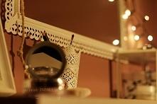 Toaletka :)  #pomysł #inspiracja #kosmetyki #toaletka #sypialnia #makeup #światełka #święta #puder #kobieco #dziewczęco #lustro #diy #doityourself