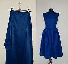 Uszyta przeze mnie sukienka midi z granatowego grubego materiału jest idealna...