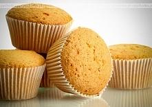 Składniki: 6 jaj 11/4 szklanki cukru pudru ¾ szklanki mąki tłuszcz tarta bułk...