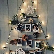 Choinka z patyczków, światełek, zdjęć i świątecznych ozdób. Cudowna ozdoba śc...