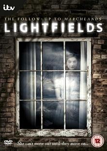 Lightfields (2013)  Trzy różne rodziny zamieszkują ten sam dom na przestrzeni lat. Łączy je dusza dziewczynki, która utonęła w dziwnych okolicznościach.