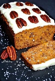Bezglutenowe ciasto marchewkowe z kokosem bez mąki. Przepis po kliknięciu w zdjęcie.
