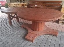 Ręcznie wykonany stół z bęb...