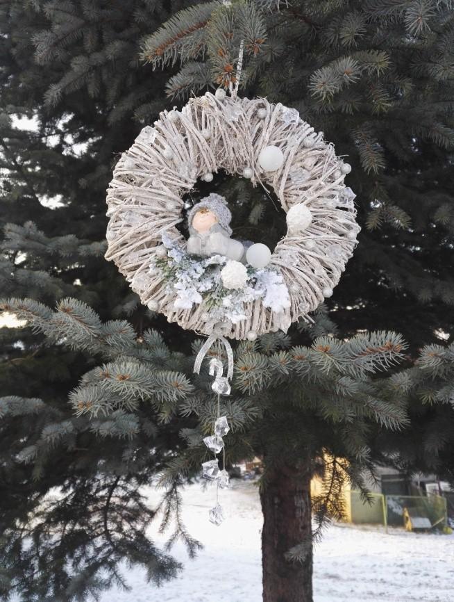 lodowy wianek to wyjątkowa dekoracja dla twojego domu!