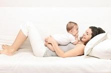 Sprawdzone metody na ukrycie zmęczenia u młodych mam