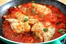 Kurczak w pomidorach z puszki
