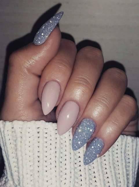 Zimowe paznokcie <3 Kliknij w zdjęcie i zobacz nasze inne inspiracje na zimowy manicure ;)
