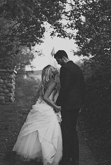 """""""To była pierwsza rzecz, której musiałem się o Niej dowiedzieć i być może najtrudniejsza jakiej przyszło mi się kiedykolwiek nauczyć - a mianowicie tego, że Ona jest tylko ..."""