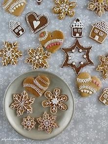 Lukrowane pierniczki, to piękna świąteczna dekoracja. Po przepis na lukier i kilka porad zapraszam na blog. :)