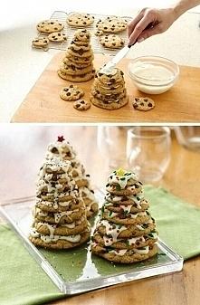 prosta i słodziutka choinka z ciasteczek na stół wigilijny