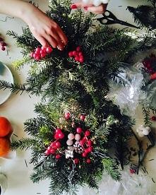 Stroiki zrobione, prezenty spakowane, choinka ubrana...:)? Na jakim etapie przygotowań do Świąt jesteście?:)