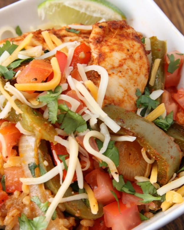 Łatwy kurczak Fajita Rice Bake