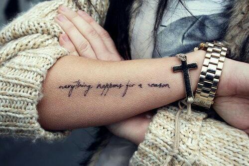 Uwielbiam tatuaże napisy :-)