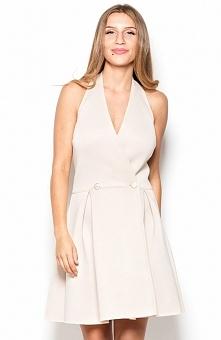 Katrus K386 sukienka beżowa Śliczna sukienka, wykonana z piankowego materiału, plecy pięknie wyeksponowane