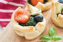 Ciasto francuskie ze szpinakiem - idealne przekąski na Sylwestra  Spinach Puff Pastry Appetizers
