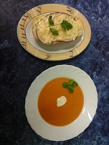 Zupa krem podana w asyście ...